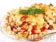 Печено пилешко филе със сирене пармезан, моцарела, домати от консерва, босилек и крутони на фурна